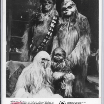 HS-PressPhoto-WookieeFamily-Front